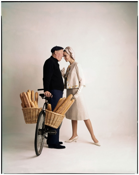 """French love food and fashion,"" Maurice Chevalier and Margot McKendry, McCall's, January 1963. Foto dal libro %22Mid-Century Fashion and Advertising Photography%22 by William Helburn"