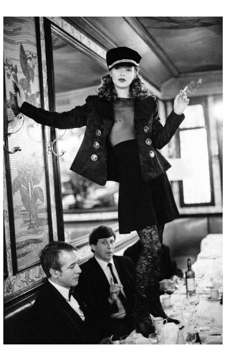 Kate Moss, 1993, Cafe Lipp, Paris