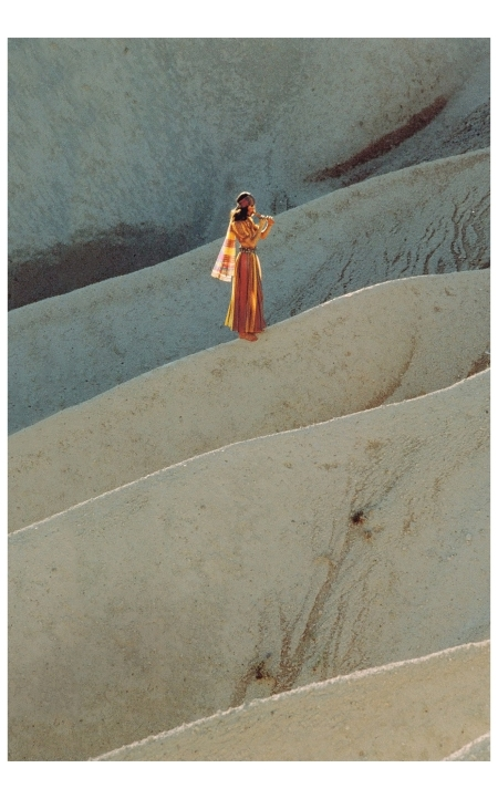 Moyra Swan in Turkey British Vogue, 1971 Photo Barry Lategan