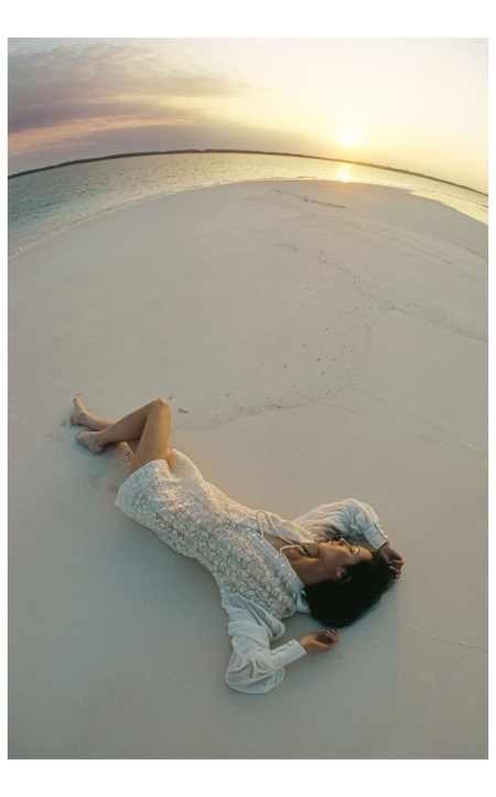 Moyra Swann in Bahamas shoot British Vogue, 1969 Photo Arnaud de Rosnay