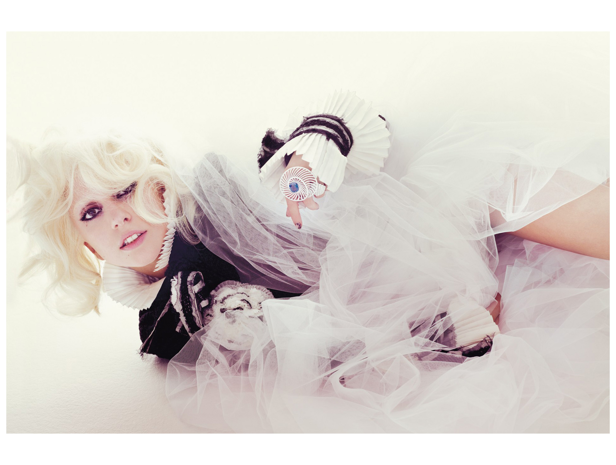 Lady Gaga nackt - Bilder - Jolie
