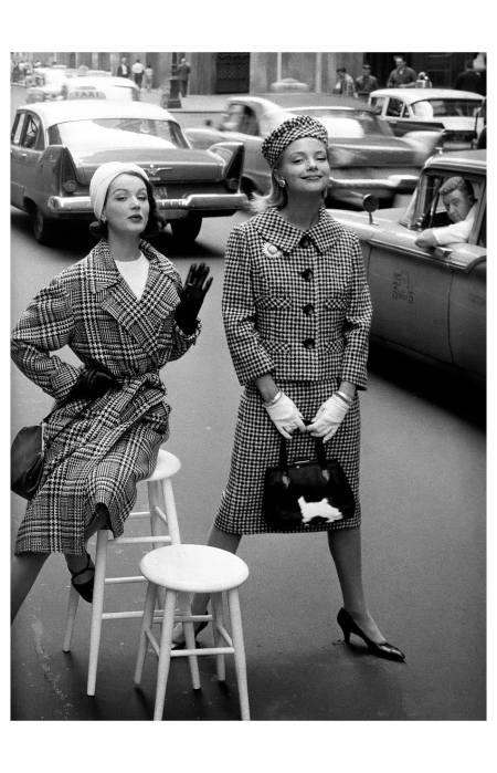 Betsy Pickering and Gretchen Harris, Park Avenue South, Charm, c.1958 Photo William Helburn