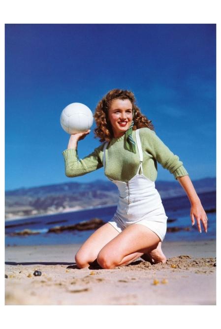 Norma Jeane Paradise Cove Andre de Dienes_Oct-1945_25