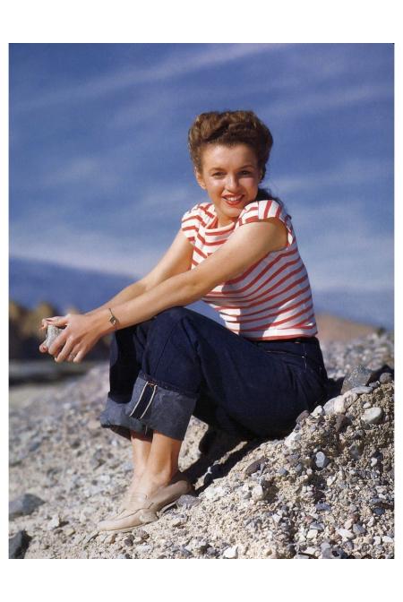 Norma Jeane Paradise Cove Andre de Dienes_Oct-1945_27