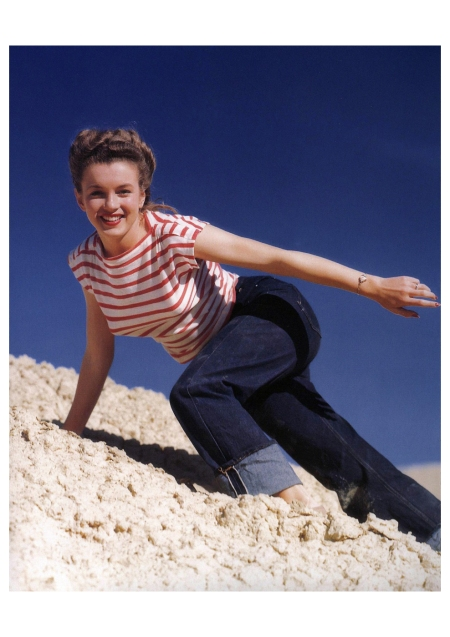 Norma Jeane Paradise Cove Andre de Dienes_Oct-1945_27b