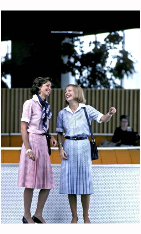 La robe «tropical» revue par Carven en 1978 %22Airfrance%22