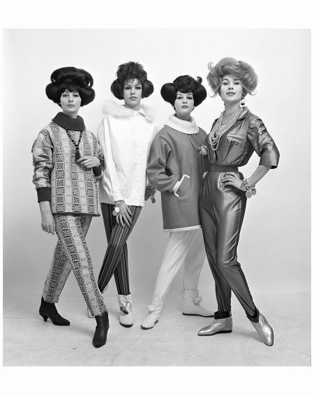 Mode 1961, o.a. Evelyn Delis, Tanja Trijbels en Rik de Nijs Photo Hans Dukkers