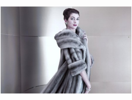 Model in Silverblue Mink, 1956 featured in The Power of Glamour by Virginia Postrel Virginia Thoren det