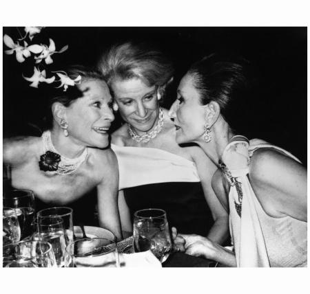 Nan Kempner, Fran Stark and Jaqueline de Ribes, NYC The Metropolitan Opera´s 100th Anniversary, NYC, 1984