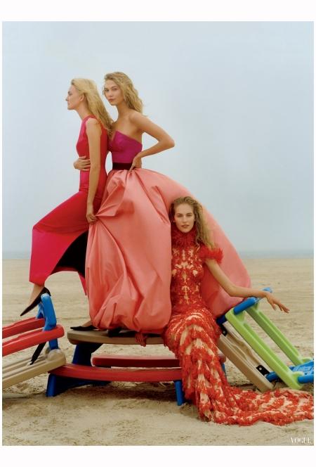 Caroline Trentini in dior Karlie Kloss in Oscar de la Renta and Raquel Zimmerman in Alxander Mc Queen Vogue 2015 Photo Jamie Hwkesworth