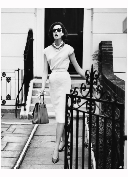 Don Honeyman photographed this model in August 1960. Vogue