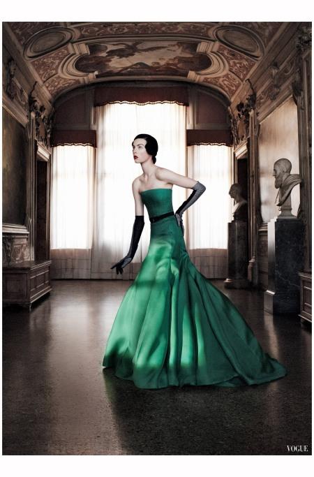 Edie Campbell Dior Raf Simons vogue 2013 Photo David Sims