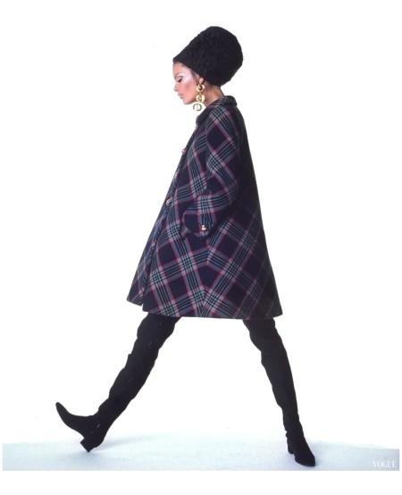 Editha Dussler Gloria Friedrich suit Seymour Fox, Adolfo Hat Vogue US - September 1 1967 Photo Irving Penn