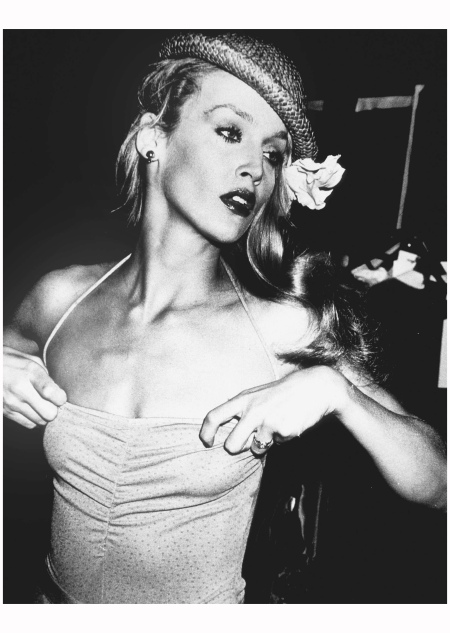 Jerry Hall, backstage, Krizia fashion show, Olympic Towers, New York, 1979 Photo Rose Hartman