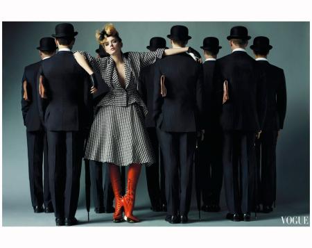 Lily Donaldson Alexander Mcqueen Vogue oct 2009 Photo Mario Testino
