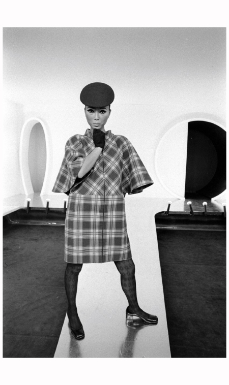 Model Sin-May Zao wearing dress by Pierre Cardin 1968 Photo Bill Ray2