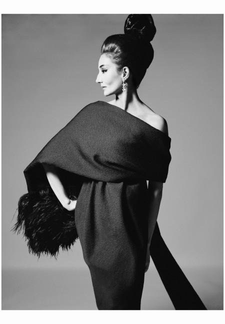 Vicomtesse Jacqueline de Ribes, dress by Yves Saint Laurent, Paris, July 31, 1962 Photo Richard Avedon