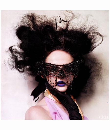 %22Magic in the Make up%22 Christian Lacroix Vogue septembre 2004 Irving Penn
