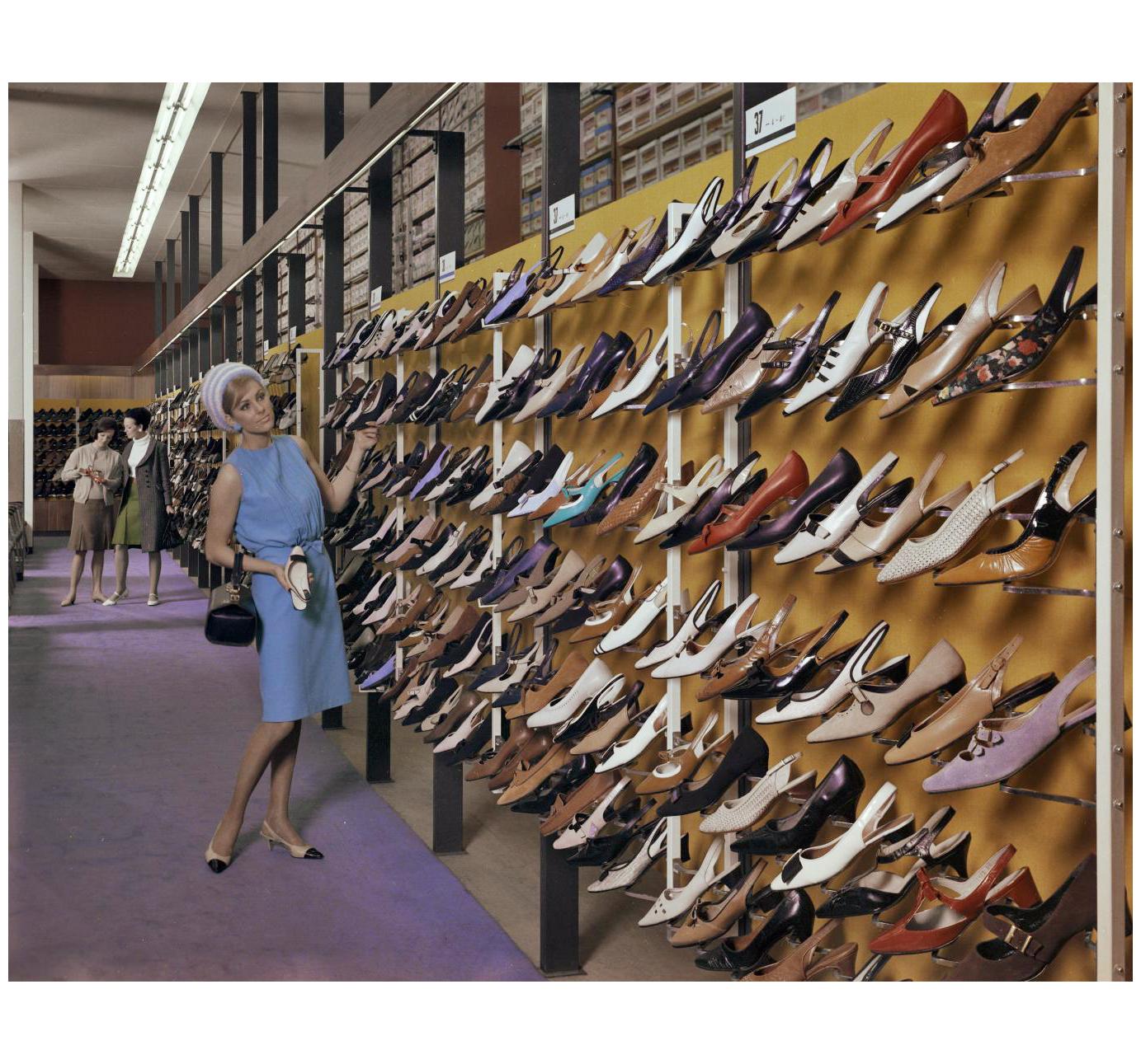 60s Pleasurephoto Pagina 200 Bettina Heels Netty Beige Amsterdam Model Shoe Shop 1966