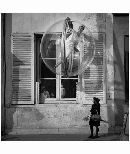 Bubble, Paris, Harpers Bazaar, 1963, Melvin Sokolsky