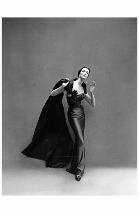 Carmen dell'Orefice Wearing Pierre Balmain's sensous sheath of silk-satin worn with voluminous scarf of same material. 1957 Photo Richard Avedon