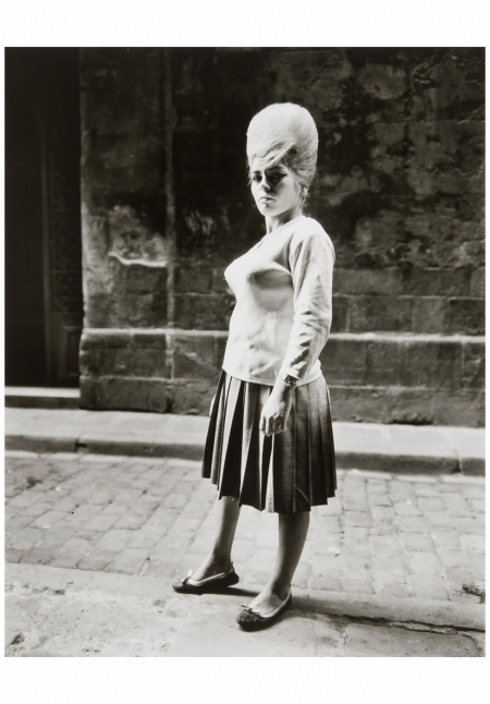 Girl Barcelona, 1963 Photo Evelyn Hofer