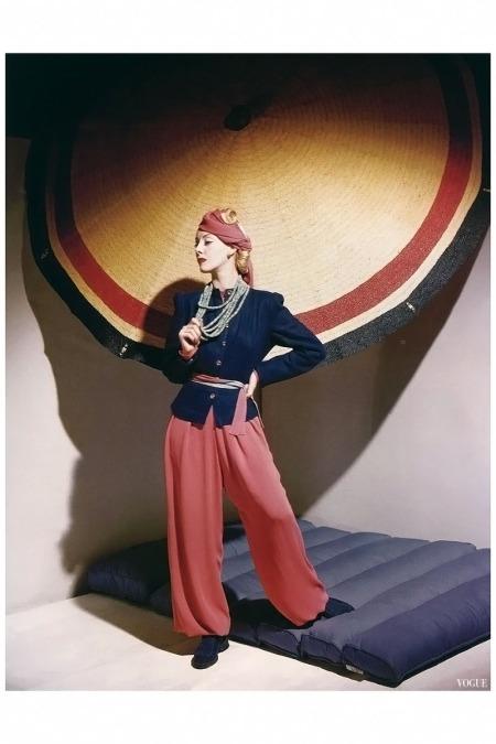 Helen Bennett in ensemble by Bergdorf Goodman, jewelry by Olga Tritt, Vogue Dec 1939 Horst P.Horst