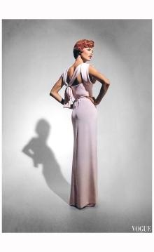 Linda Evangelista Vogue UK October 1991 YSL %22Send in the gowns%22 Photo Patrick Demarchelier b