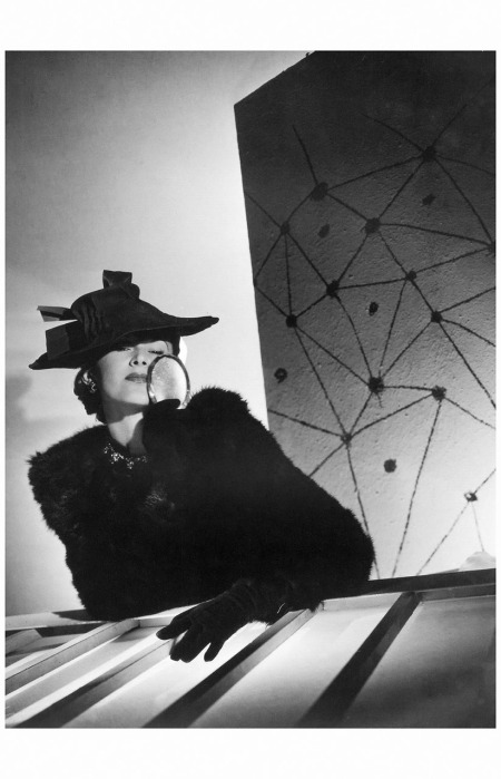 Lisa Fonssagrives in jacket by Francevrament, hat by Maria Guy, 1938 Horst P. Horst