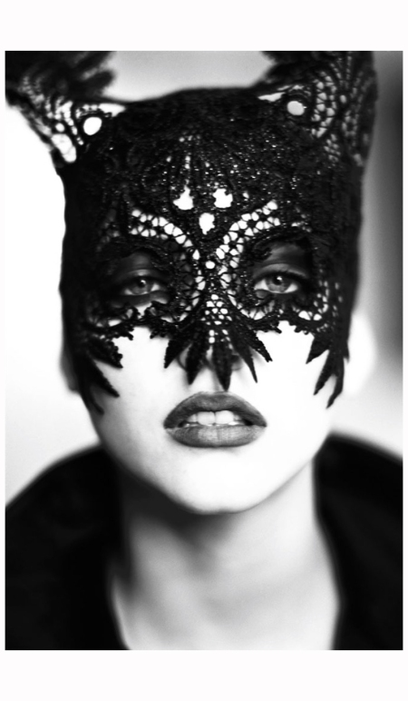 Nadja Aurmann Mask, Paris, 1991 Photo Ellen Von Unwerth