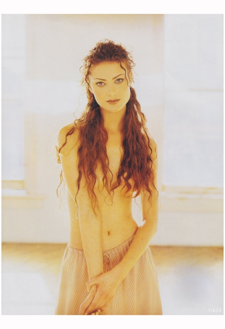 Shalom Harlow  Max Vadukul, Vogue, February 1993