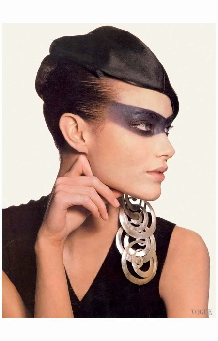 Shalom Harlow  US Vogue March 1997 Editor Phyllis Posnick - Irving Penn