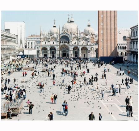 Venezia San Marco (from Landscape with Figures portfolio), 2006 Photo Massimo Vitali b