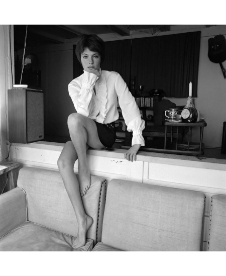 british-actress-jacqueline-bisset-in-magazine-fashion-shoot-in-malibu-california-photo-by-terry-oneillgetty-images-1968