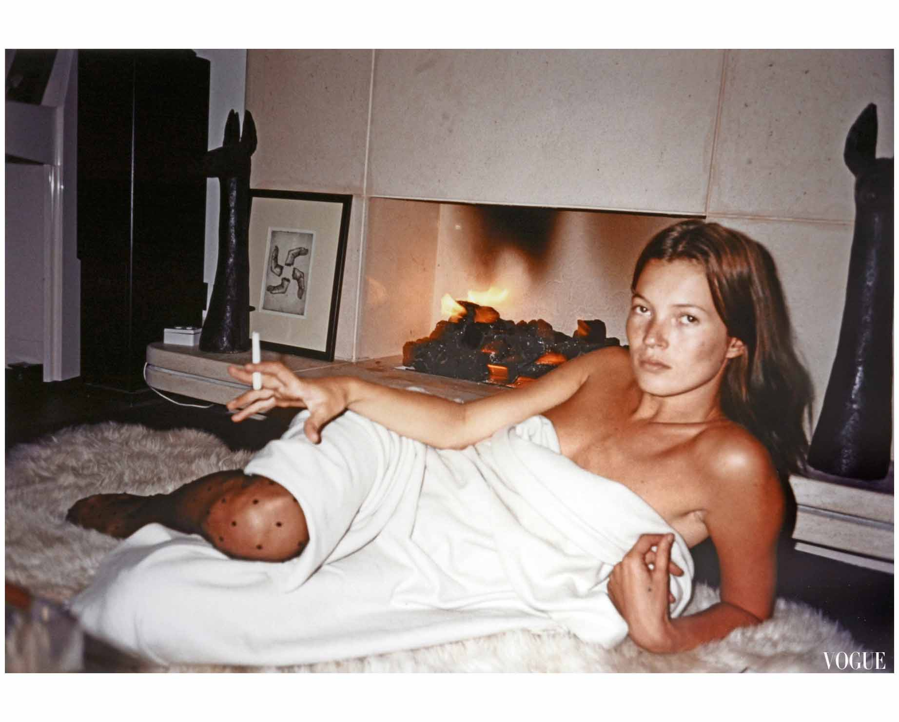 https://pleasurephoto.files.wordpress.com/2015/12/kate-moss-vogue-dec-2000-juergen-teller.jpg