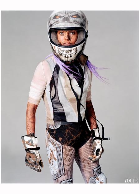 """Linda Evangelista """"Sporting Linda"""" Vogue it Feb 2003 Steven Meisel c"""
