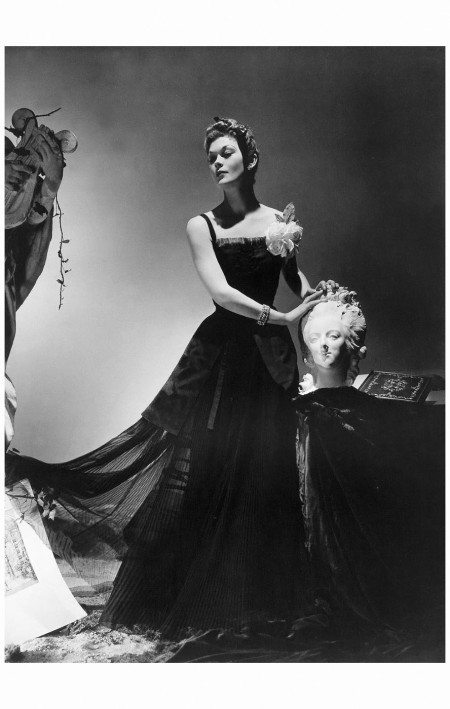 Lud in evening dress by Jean Patou, jewelry by Mauboussin,  1938 Horst P. Horst