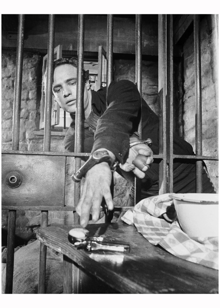 Marlon Brando in the film 'One-Eyed Jacks' in which he plays the outlaw 'Rio'. Marlon Brando took over the director's chair for this film, succeeding Stanley Kubrick. 1961 (Photo via John Kobal Foundation:Getty Images) b