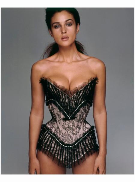 Monica Bellucci Pirelli calendar New York, Stati Uniti, 1997 Richard Avedon