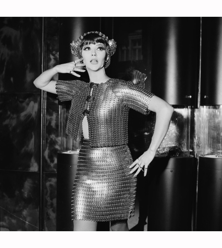 A model in Paco Rabanne, 1967 (PETER KING:HULTON ARCHIVE:GETTY IMAGES)