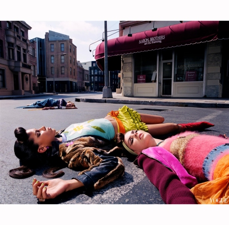 Anouck Lepere and Raquel Zimmermann Raica Oliveira %22Outer Limits%22 os Angeles, 2000 Photo Steven Meisel