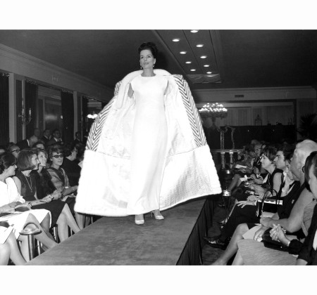 FENDI fashion show, Fall:Winter Collection 1960-1961 cappotto doppiopetto visone Pierluigi Praturlon