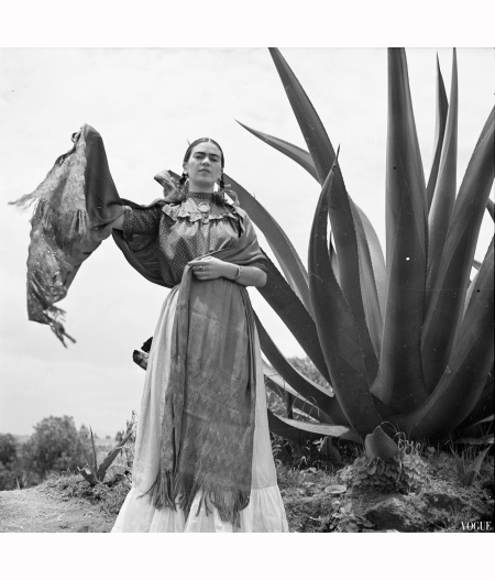 Frida Kahlo Vogue 1937...