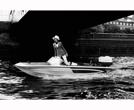 Jean Shrimpton Vogue july 1967 Ronald Traeger