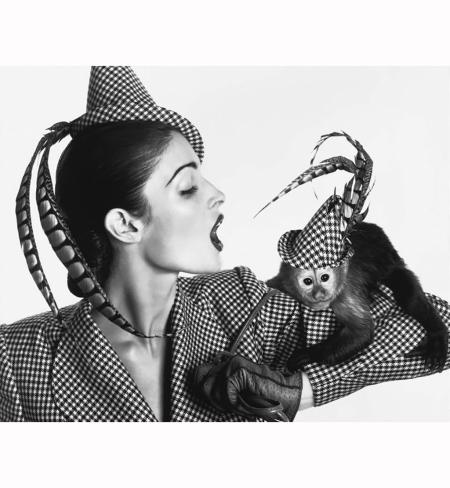 Les anèes 1940 Stephen Jones Hat - Robe Charvet Hermes