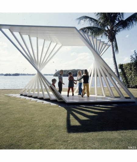 Palm Beach At four wind Patrick lannan Sulpture Vogue may 1973 Horst P.Horst