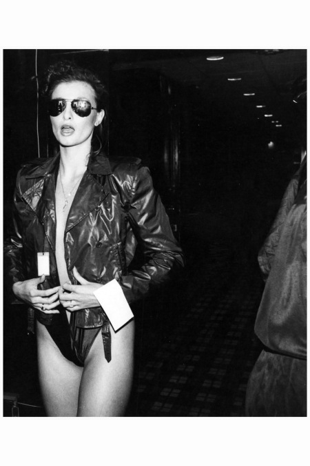 Apollonia van Ravenstein -rose-hartman-apollonia-backstage-at-bill-kaiserman-to-1979