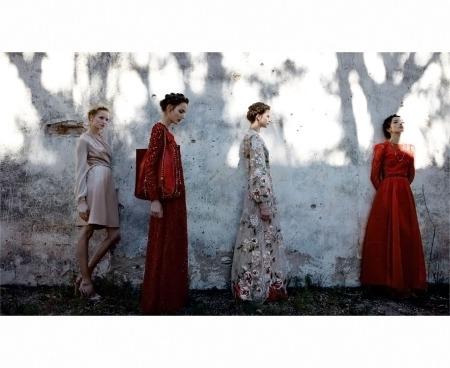 Bette Franke, Clement Chabernaud, Fei Fei Sun, Maud Franzen and Zuzanna Bijoch - Valentino S:S 2012 © Deborah Turbeville