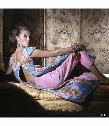 Birgitta af Klercker reclines on a lounge chair wearing a new look from Bill Blass horst-p-horst-vogue-november-1965 © Horst P Horst