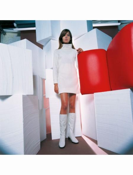 Françoise Hardy, fashion by Louis Féraud, 1970 b